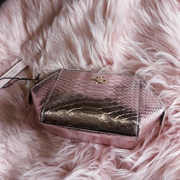Victoria's Secret Handbags - 🎉Sold🎉Victoria's Secret Pink Small Bag